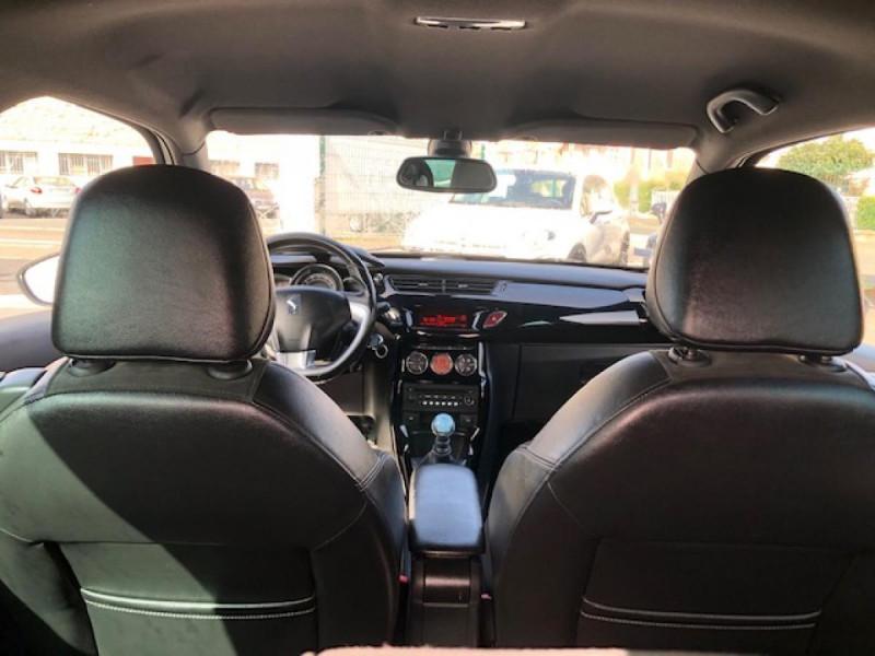 Photo 10 de l'offre de DS DS3  1.6THP155 SPORT CHIC CLIM RADAR REGULATEUR LIMITEUR DE VITESSE  CHAINE DE DISTRIBUTION NEUVE à 7490€ chez Triplo auto