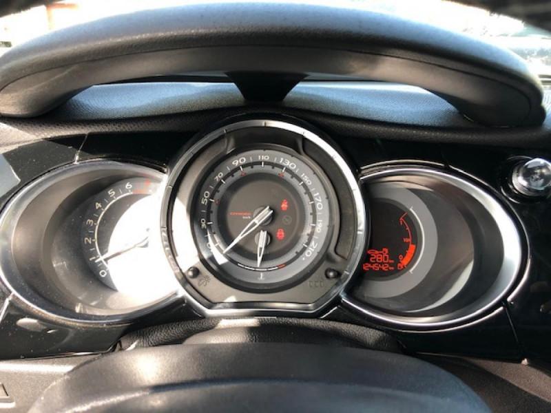 Photo 19 de l'offre de DS DS3  1.6THP155 SPORT CHIC CLIM RADAR REGULATEUR LIMITEUR DE VITESSE  CHAINE DE DISTRIBUTION NEUVE à 7490€ chez Triplo auto