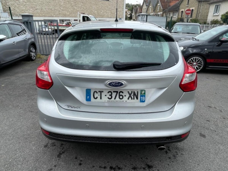 Photo 4 de l'offre de FORD FOCUS 2.0TDCI115-BVA POWERSHIFT  TITANIUM CLIM RADAR à 8990€ chez Triplo auto