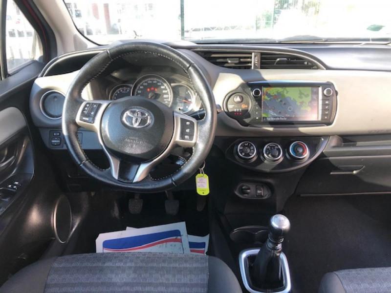 Photo 14 de l'offre de TOYOTA YARIS 1.3VVT-I100 LOUNGE GPS CAMERA RECUL à 7990€ chez Triplo auto