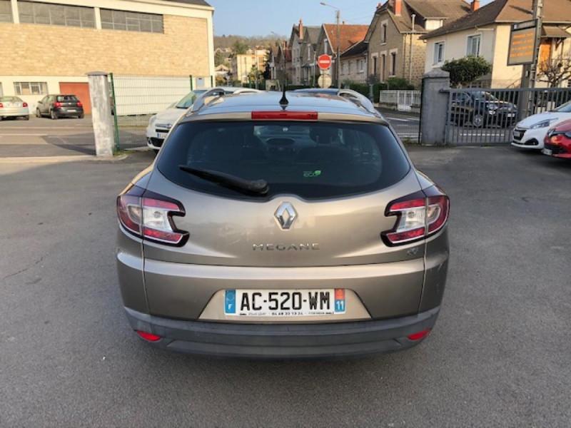 Photo 4 de l'offre de RENAULT MEGANE 1.5 DCI105 DYNAMIQUE CLIM   DISTRI OK   1ERE MAIN à 5490€ chez Triplo auto