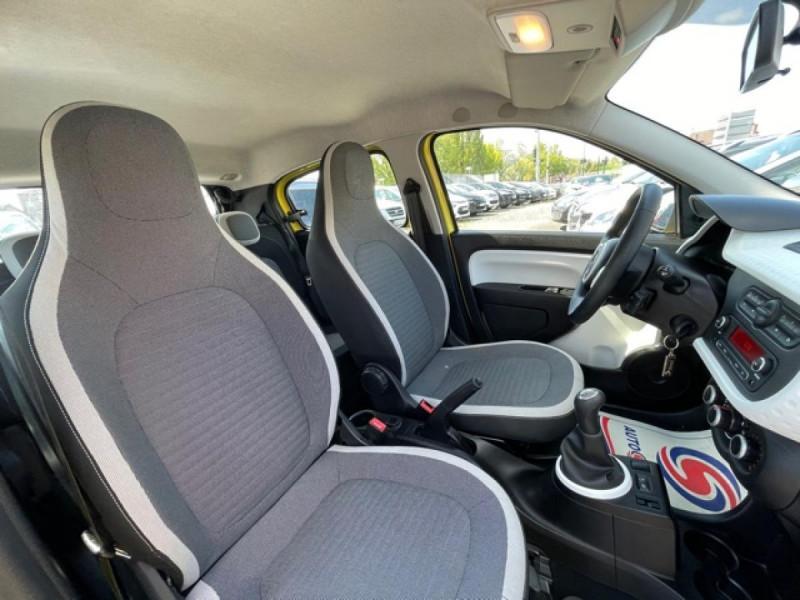 Photo 14 de l'offre de RENAULT TWINGO 1.0SCE-70 ZEN CLIM à 8350€ chez Triplo auto