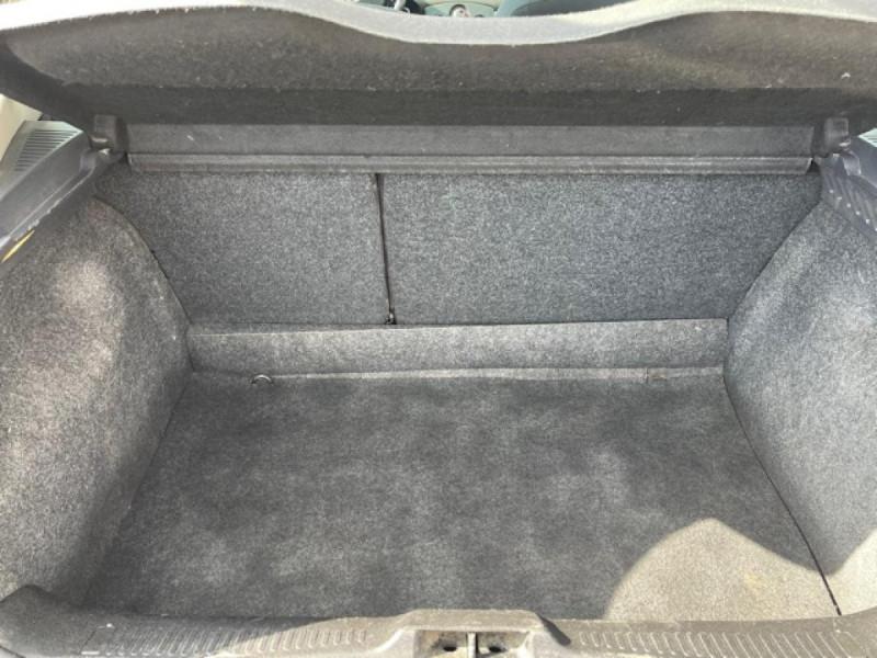 Photo 9 de l'offre de RENAULT CLIO 1.6I-110 CONFORT EXPRESSION CLIM TOIT OUVRANT à 4250€ chez Triplo auto