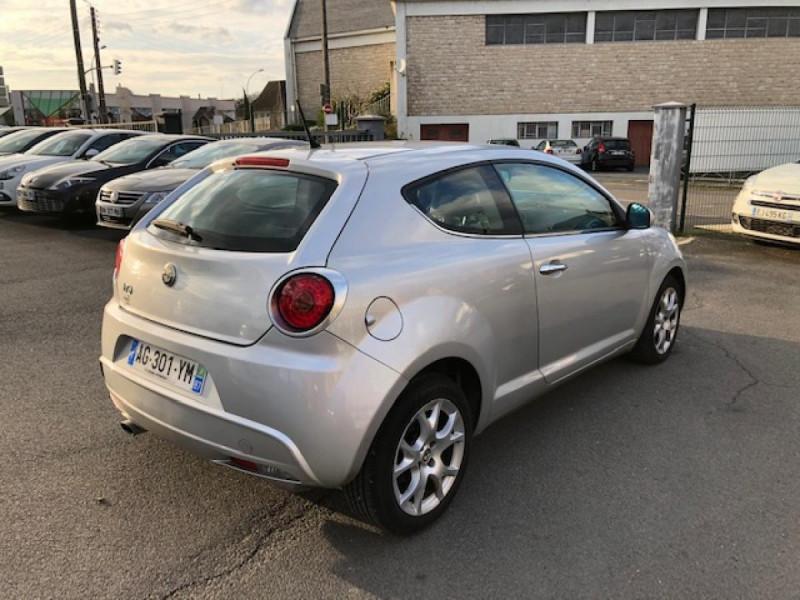 Photo 4 de l'offre de ALFA ROMEO MITO 1.3JTDM-95 S/S DISTINCTIVE CUIR CLIM à 5990€ chez Triplo auto