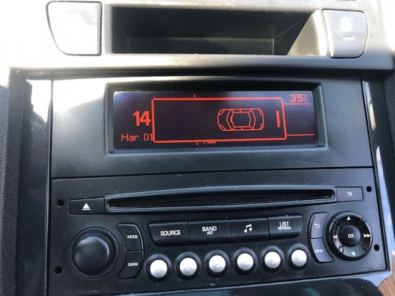 Photo 16 de l'offre de PEUGEOT 5008 7P 1.6HDI115  ACTIVE RADAR ATTELAGE à 8490€ chez Triplo auto