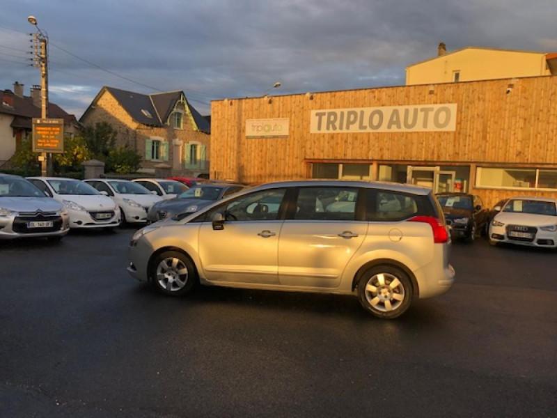 Photo 2 de l'offre de PEUGEOT 5008  1.6HDI112 5PL ALLURE GPS RADAR TOITPANO à 6490€ chez Triplo auto