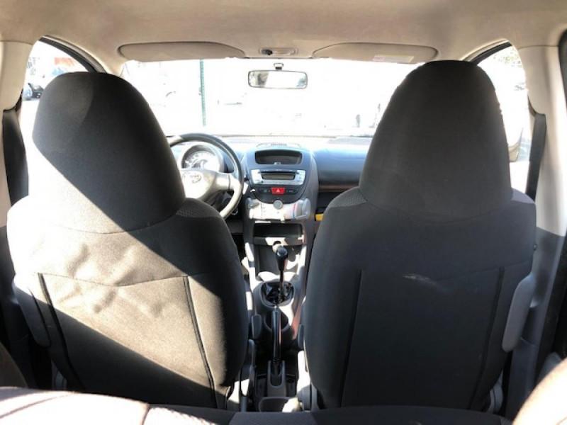 Photo 10 de l'offre de TOYOTA AYGO 1.4 D  CONFORT CLIM 5P à 2990€ chez Triplo auto