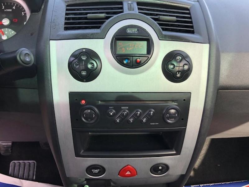 Photo 11 de l'offre de RENAULT MEGANE MéGANE CC 1.6I 16V - 116  II CC SPORT DYNAMIQUE  à 3990€ chez Triplo auto