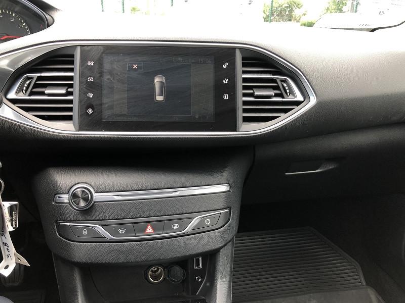 Photo 14 de l'offre de PEUGEOT 308  SWII 1.2I-110STYLE S&S GPS RADAR GAR6MOIS à 10990€ chez Triplo auto