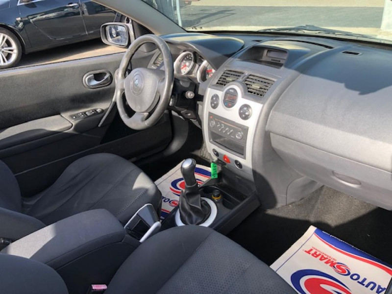 Photo 19 de l'offre de RENAULT MEGANE MéGANE CC 1.6I 16V - 116  II CC SPORT DYNAMIQUE  à 3990€ chez Triplo auto