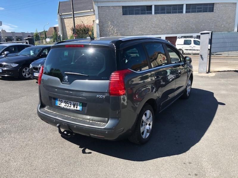 Photo 4 de l'offre de PEUGEOT 5008 7P 1.6HDI115  ACTIVE RADAR ATTELAGE à 8490€ chez Triplo auto