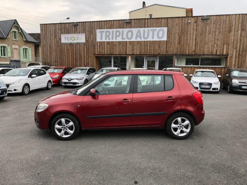 Photo 2 de l'offre de SKODA FABIA 1.2I 70  CONFORT CLIM JANTES ALU à 3650€ chez Triplo auto