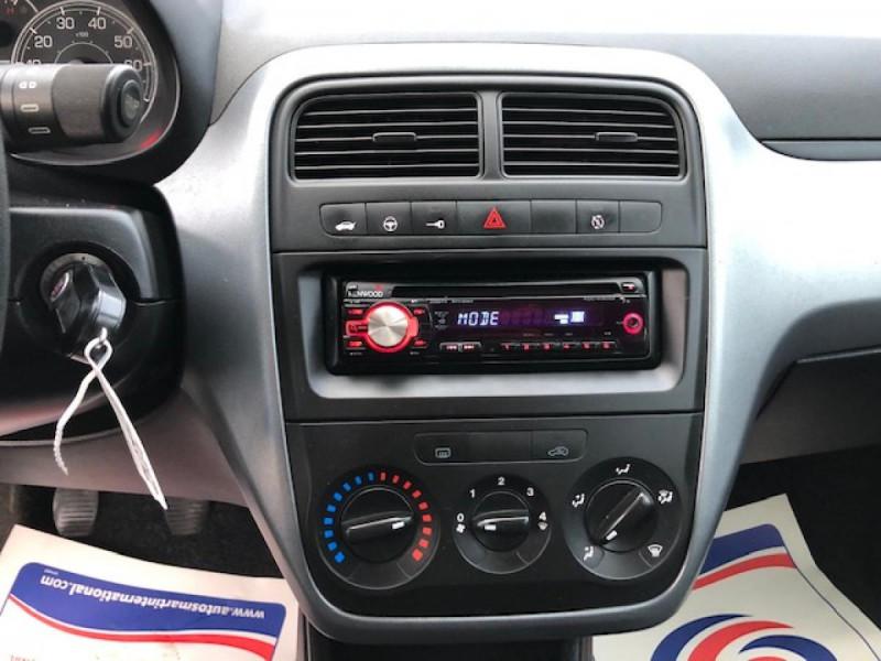 Photo 12 de l'offre de FIAT GRANDE PUNTO/PUNTO EVO 1.3 MJT5 S&S CULT 1ERE MAIN ENTRETIEN OK à 5990€ chez Triplo auto