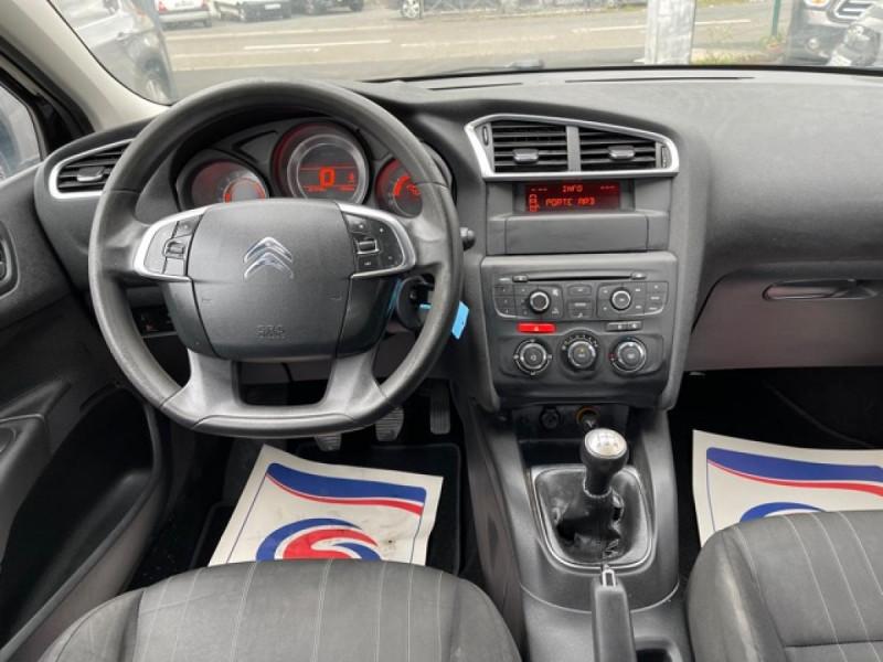 Photo 15 de l'offre de CITROEN C4 1.6 HDI 90 ATTRACTION CLIM DISTRI OK à 5350€ chez Triplo auto