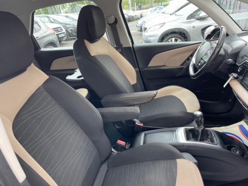 Photo 8 de l'offre de CITROEN C4 PICASSO 1.6 E-HDI115 INTENSIVE GPS RADAR 1ERE MAIN CARNET A JOUR à 8250€ chez Triplo auto