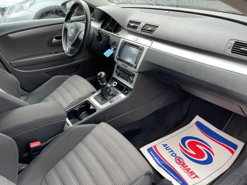 Photo 10 de l'offre de VOLKSWAGEN PASSAT CC CC 2.0 TDI 140 DISTRI OK à 7490€ chez Triplo auto