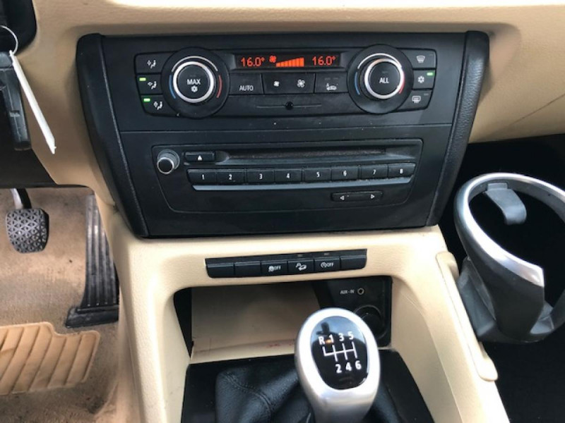 Photo 15 de l'offre de BMW X1  XDRIVE 204CV 23D E84 LUXE 4X4  à 9490€ chez Triplo auto