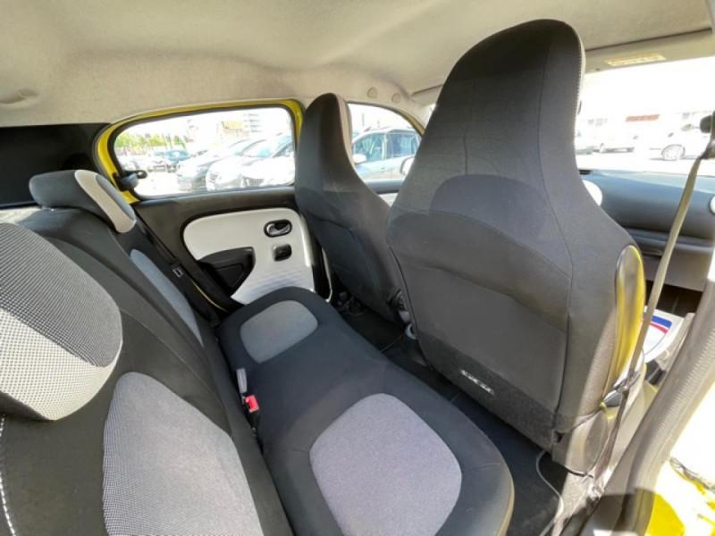Photo 15 de l'offre de RENAULT TWINGO 1.0SCE-70 ZEN CLIM à 8350€ chez Triplo auto