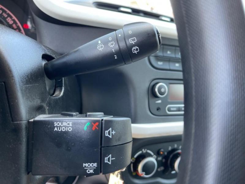 Photo 21 de l'offre de RENAULT TWINGO 1.0SCE-70 ZEN CLIM à 8350€ chez Triplo auto