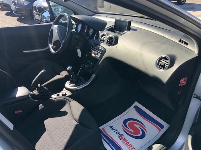 Photo 10 de l'offre de PEUGEOT 308  1.6 E-HDI 112 ALLURE GPS ATTELAGE à 7490€ chez Triplo auto