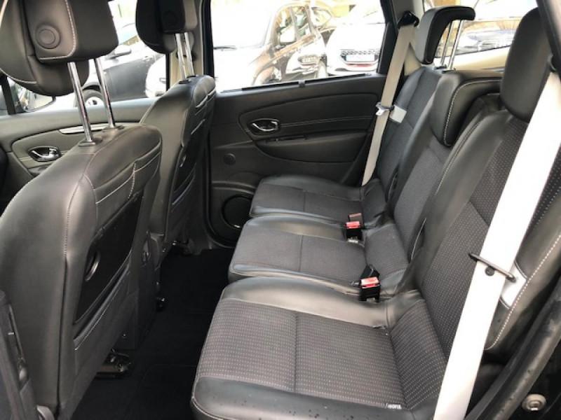 Photo 11 de l'offre de RENAULT SCENIC BOSE 1.6DCI 130  GPS  à 6990€ chez Triplo auto