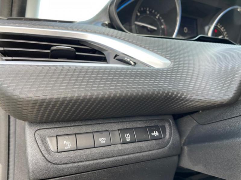 Photo 19 de l'offre de PEUGEOT 2008  1.6 E-HDI FAP - 92  ALLURE    TOIT   GRIPCONTROL à 11990€ chez Triplo auto