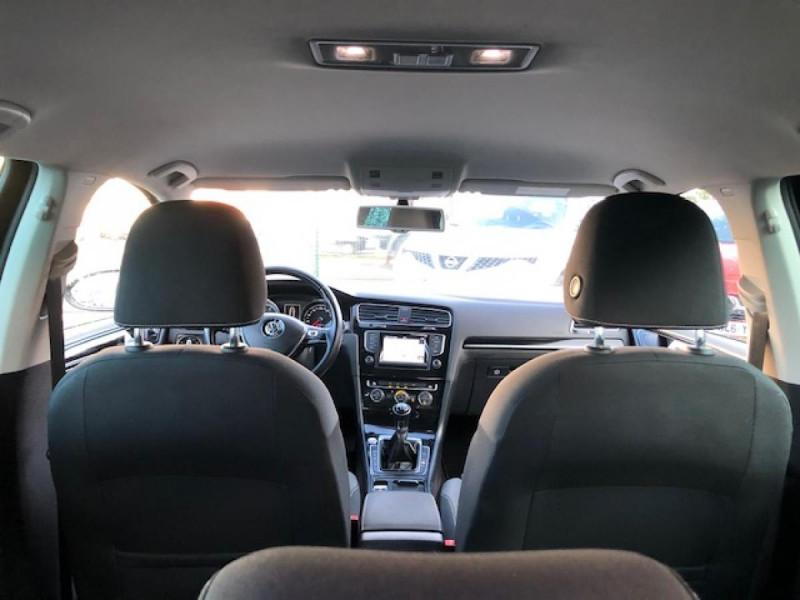 Photo 10 de l'offre de VOLKSWAGEN GOLF 1.2 TSI 105 CARAT GPS RADAR AV AR  - BLUEMOTION  à 11750€ chez Triplo auto