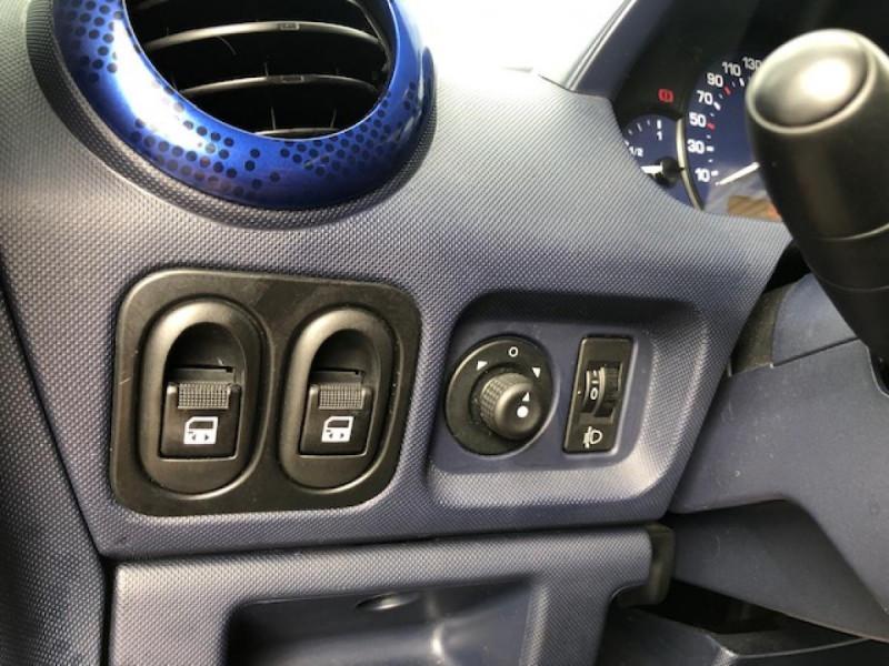 Photo 31 de l'offre de PEUGEOT 1007 1.4I  TRENDY  CLIM GAR3MOIS à 4990€ chez Triplo auto