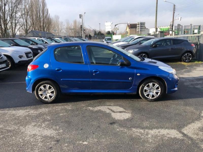 Photo 5 de l'offre de PEUGEOT 206  1.4 HDI70 URBAN MOVE  CLIM  à 5990€ chez Triplo auto