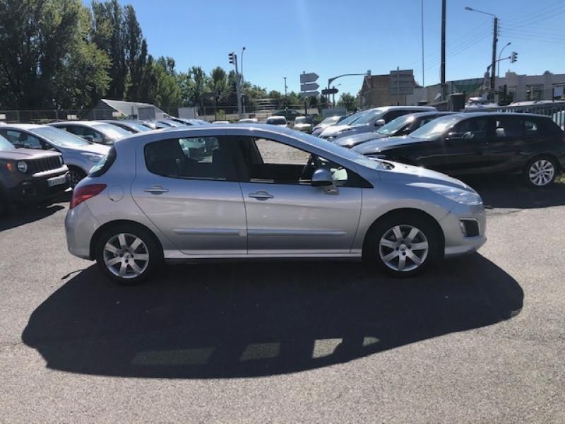 Photo 6 de l'offre de PEUGEOT 308  1.6 E-HDI 112 ALLURE GPS ATTELAGE à 7490€ chez Triplo auto