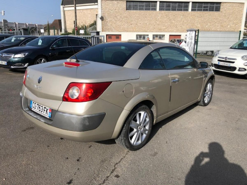 Photo 4 de l'offre de RENAULT MEGANE MéGANE CC 1.6I 16V - 116  II CC SPORT DYNAMIQUE  à 3990€ chez Triplo auto
