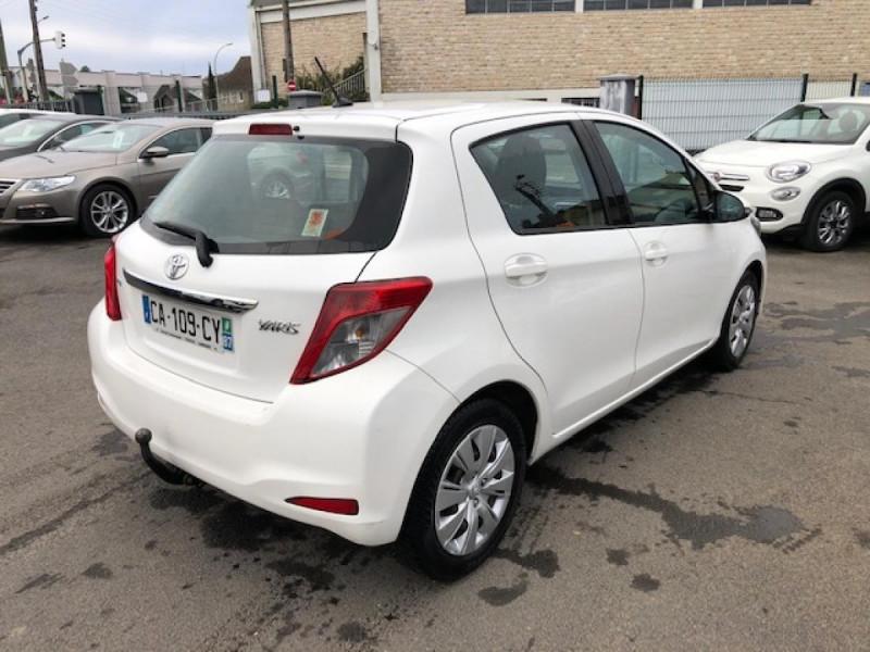 Photo 5 de l'offre de TOYOTA YARIS 1.4D-4D90 DYNAMIC GPS CAMERA ATTELAGE 1ERE MAIN à 6490€ chez Triplo auto
