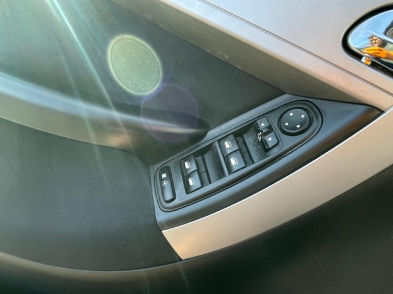 Photo 21 de l'offre de CITROEN C4 PICASSO 1.6 HDIFAP -110  MILLENIUM  GPS à 6990€ chez Triplo auto