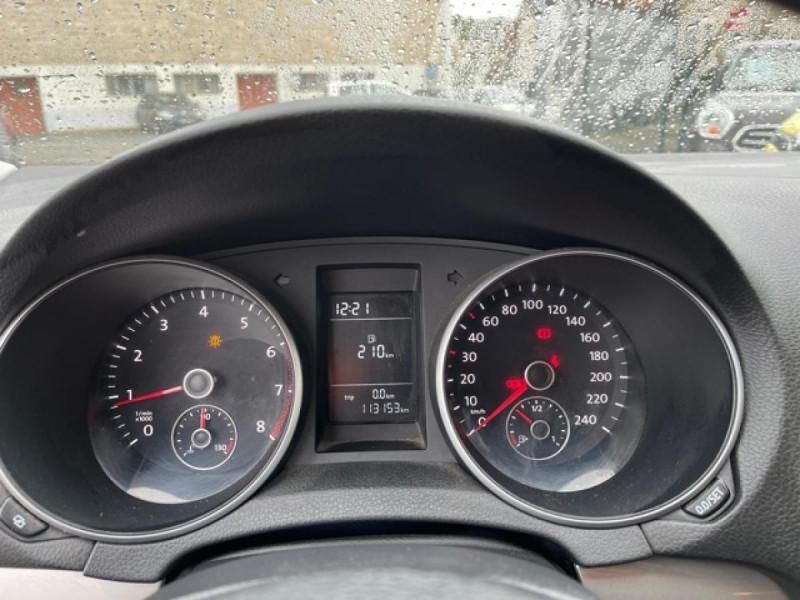 Photo 16 de l'offre de VOLKSWAGEN GOLF 1.4 16V - 80  VI BERLINE STYLE  à 7490€ chez Triplo auto