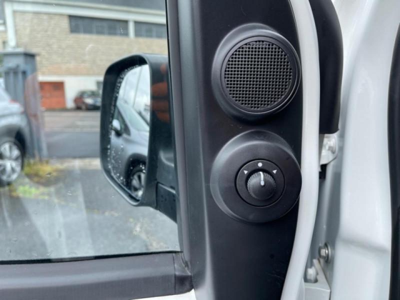 Photo 18 de l'offre de PEUGEOT BIPPER 1.3 HDI75 PACK CLIM  1ERE MAIN   PORTE LATERALE à 7750€ chez Triplo auto