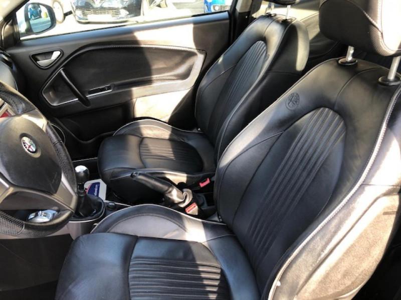 Photo 9 de l'offre de ALFA ROMEO MITO 1.3JTDM-95 S/S DISTINCTIVE CUIR CLIM à 5990€ chez Triplo auto