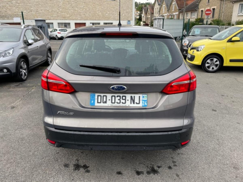Photo 4 de l'offre de FORD FOCUS SW 1.6TDCI115 TITANIUM GPS  à 8990€ chez Triplo auto