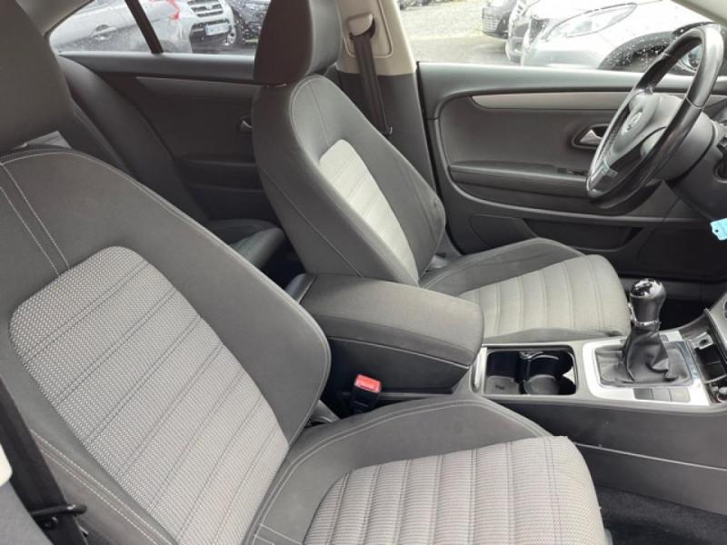 Photo 11 de l'offre de VOLKSWAGEN PASSAT CC CC 2.0 TDI 140 DISTRI OK à 7490€ chez Triplo auto