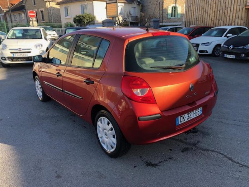 Photo 2 de l'offre de RENAULT CLIO 1.2I 75 DYNAMIQUE CLIM 71000KM DISTRI OK   CT OK à 5490€ chez Triplo auto