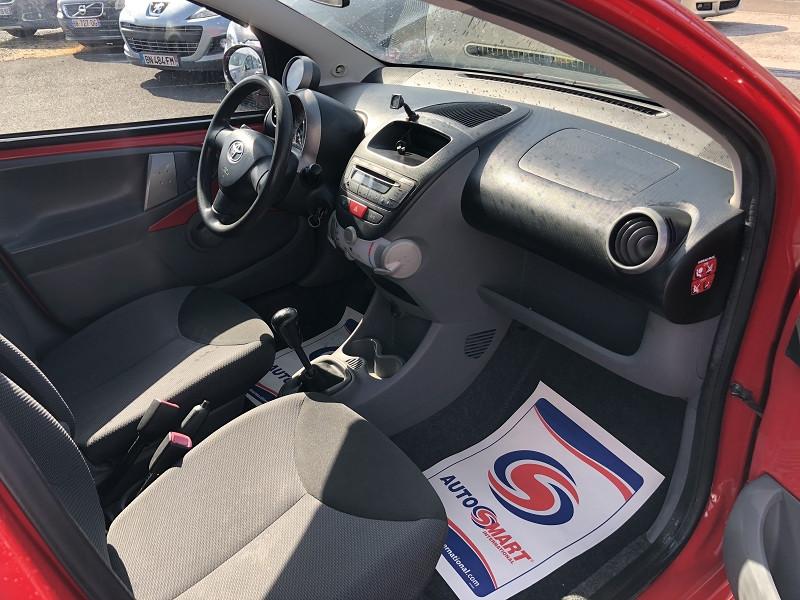 Photo 10 de l'offre de TOYOTA AYGO 1.0 68 CONFORT CLIM 5PORTES GAR3MOIS à 3490€ chez Triplo auto