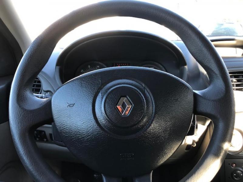 Photo 12 de l'offre de RENAULT CLIO 1.2I 75 DYNAMIQUE CLIM 71000KM DISTRI OK   CT OK à 5490€ chez Triplo auto