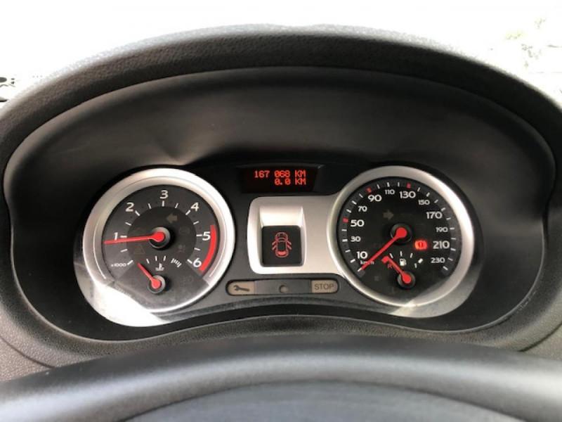 Photo 15 de l'offre de RENAULT CLIO 1.5 DCI - 85  III BERLINE EXPRESSION CLIM à 4850€ chez Triplo auto