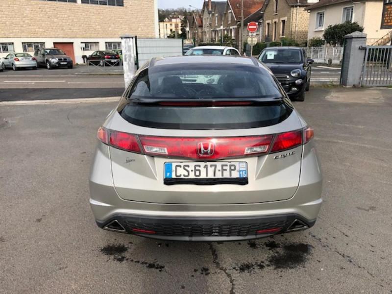 Photo 4 de l'offre de HONDA CIVIC 1.8 I-VTEC  SPORT  à 6490€ chez Triplo auto
