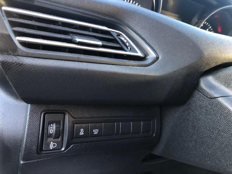 Photo 18 de l'offre de PEUGEOT 308  1.6 BLUEHDI S&S - 100  ACTIVE BUSINESS GPS  à 10850€ chez Triplo auto