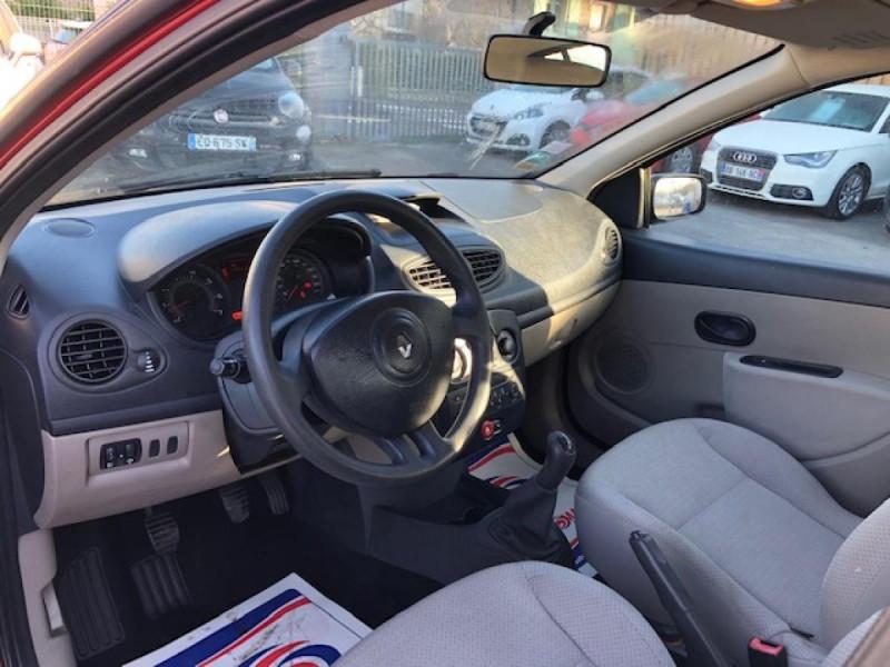 Photo 8 de l'offre de RENAULT CLIO 1.2I 75 DYNAMIQUE CLIM 71000KM DISTRI OK   CT OK à 5490€ chez Triplo auto