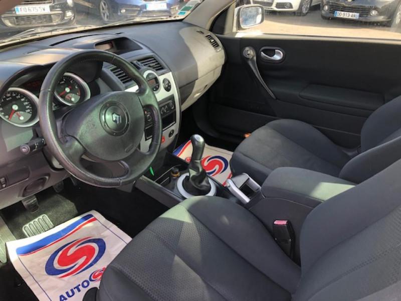 Photo 8 de l'offre de RENAULT MEGANE MéGANE CC 1.6I 16V - 116  II CC SPORT DYNAMIQUE  à 3990€ chez Triplo auto