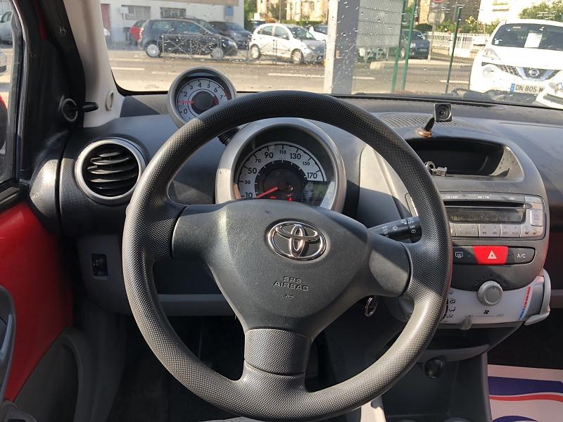 Photo 13 de l'offre de TOYOTA AYGO 1.0 68 CONFORT CLIM 5PORTES GAR3MOIS à 3490€ chez Triplo auto