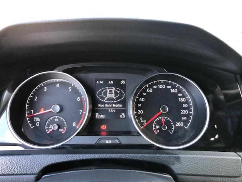Photo 18 de l'offre de VOLKSWAGEN GOLF 1.2 TSI 105 CARAT GPS RADAR AV AR  - BLUEMOTION  à 11750€ chez Triplo auto