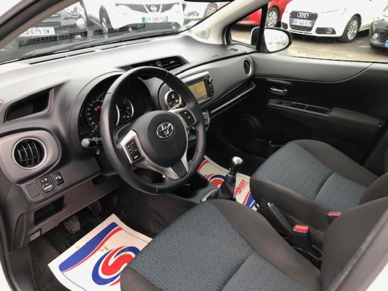 Photo 12 de l'offre de TOYOTA YARIS 1.4D-4D90 DYNAMIC GPS CAMERA ATTELAGE 1ERE MAIN à 6490€ chez Triplo auto