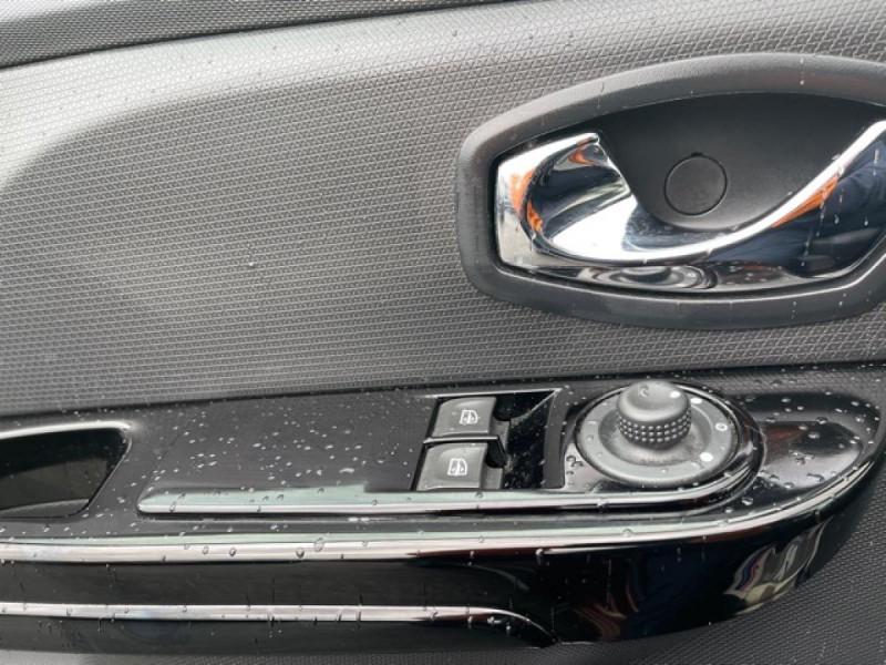 Photo 23 de l'offre de RENAULT CLIO 1.5DCI-90ZEN GPS DISTRI OK à 8490€ chez Triplo auto